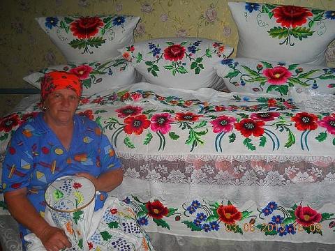 Бабушка вышила своими руками