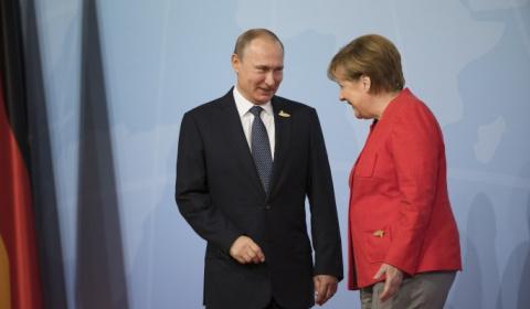 Меркель вынуждают пойти прот…