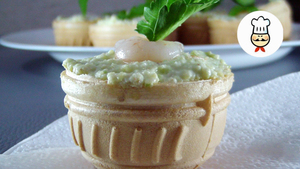 Тарталетки с авокадо, сыром …