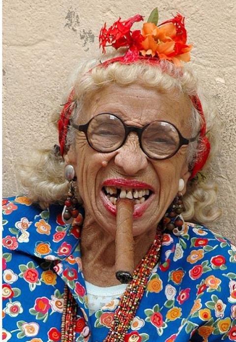 Курящая Грасиэла — самая узнаваемая женщина Кубы