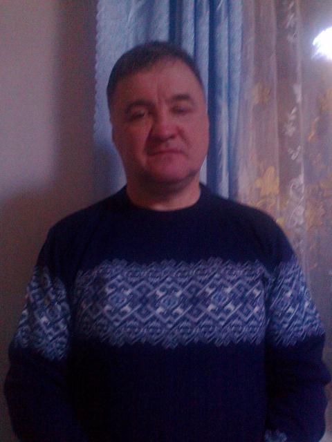 Юрий Азаров