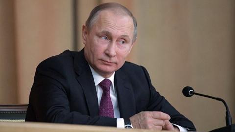 Путин словами о женщинах лег…