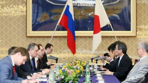 Япония и Россия обсуждают спорные территории