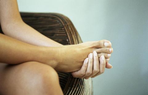 Болят ступни ног что делать?