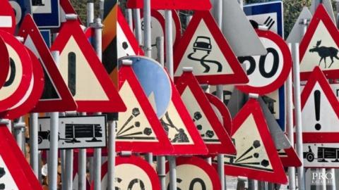 России появится несколько десятков новых дорожных знаков