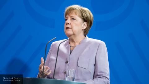 Онищенко вынес Меркель диагноз: комплекс неполноценности