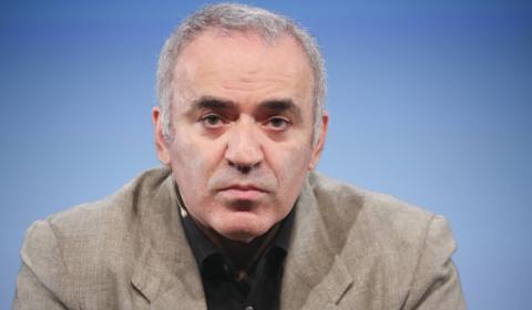 Сбежавший из России Каспаров…