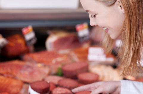Постная колбаса — это ловушка! В чём подвох продуктов для поста?