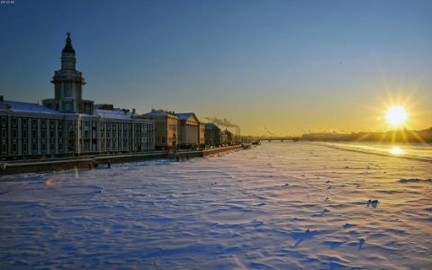 Получит ремня: в Петербурге телефонный «шутник» заминировал школу «ядерной бомбой»