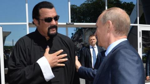 Путин лично вручил Стивену С…