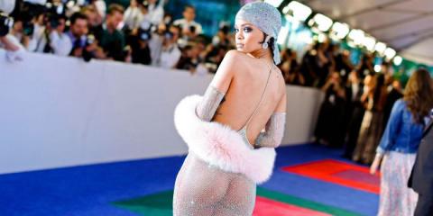 Топ-17 самых знаменитых откровенных платьев за всю историю