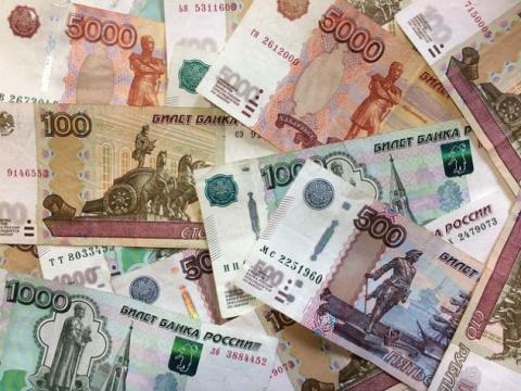 Минтруд планирует трижды повысить зарплаты бюджетникам