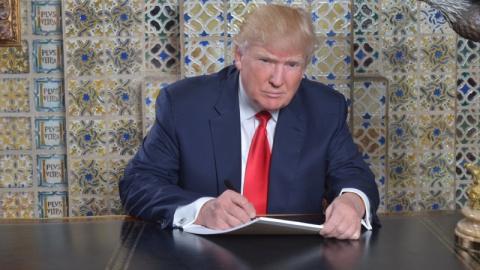Президент США утешил Мэй в в…