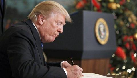 Трамп отправил американцев н…