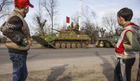 Почему население Донбасса не…