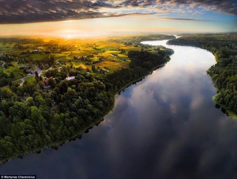 Высокое искусство аэросъемки: литовские пейзажи