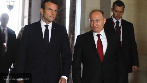 Как Владимир Путин «завербовал» президента Франции