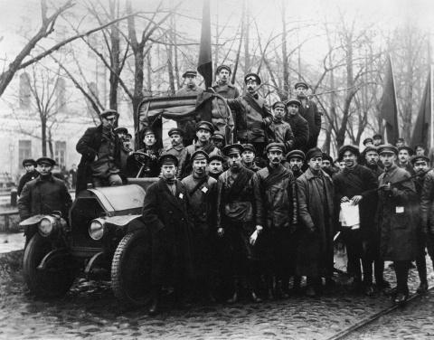 История в лицах. Шедевры советской фотографии