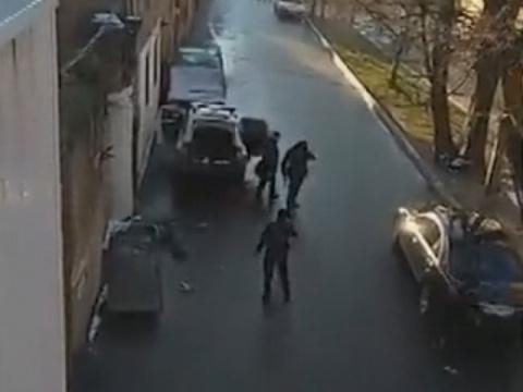Полицейский, раненный вовремяуличной стрельбы вОдессе, скончался вбольнице