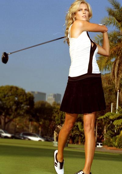 Очаровательные девушки в гольфе