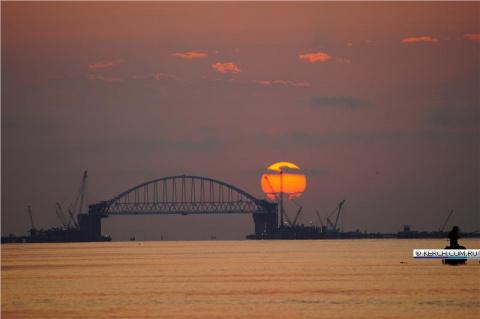 Ура Крымский мост, ой канатн…