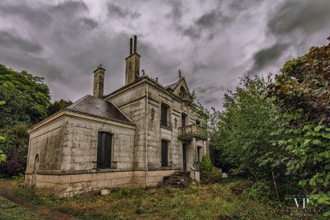 Заброшенный дом во французск…
