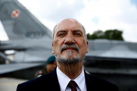 Министр обороны Польши назвал учения России и Белоруссии «вводом к горячей войне»