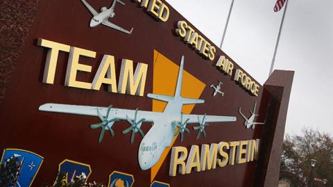 Американские военные нелегально перебрасывали вооружения сирийским повстанцам через немецкую базу Рамштайн