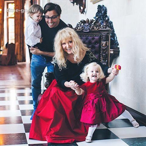 Фото 3-летней дочери Пугачев…