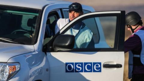 Власти ДНР: за очковтирательство ОБСЕ будет в общей очереди пересекать КПП