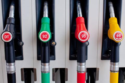 Цены на бензин резко вырастут из-за Крыма и Калининграда