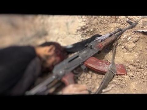 Прав ли солдат, добивший террориста? Ваше мнение?