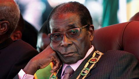Президент Зимбабве подал в о…