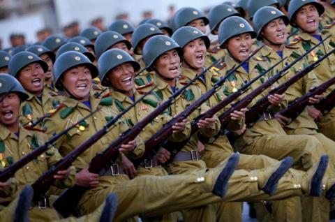 Северокорейские военные заст…