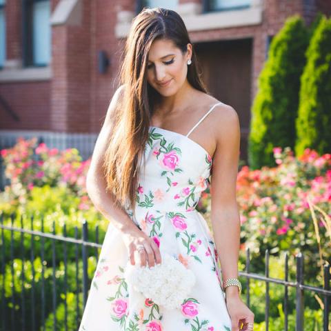 Как выбрать коктейльное платье, которое спрячет недостатки фигуры