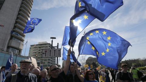 Hill: процветание ЕС грозит …