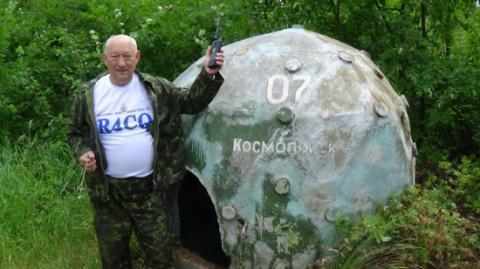 Павел Николаевич Терновой у машины времени