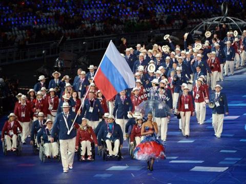 Российские паралимпийцы прод…