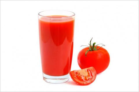 Вот что сделает с вашим здоровьем 1 стакан томатного сока в день