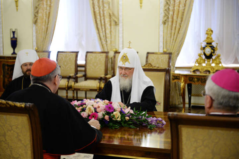 Роль УПЦ МП на Украине исключительно миротворческая – Патриарх Кирилл