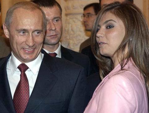 Кто такая Алина Кабаева, предполагаемая возлюбленная Владимира Путина?