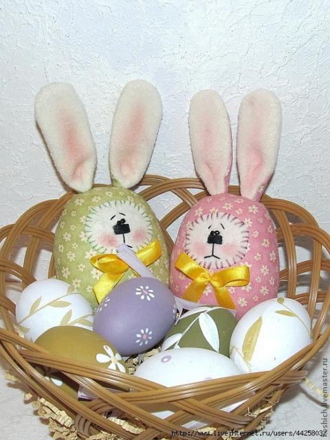 Шьем пасхальных яйца-зайцев. Мастер-класс.