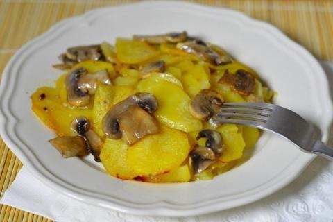 Картошка с грибами и чесноко…