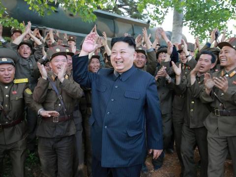 Ким Чен Ын послал американце…