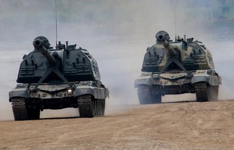 """Артиллеристы Западного военного округа получили около десятка гаубиц """"Мста-С"""""""