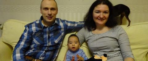 «Наш ребенок — нанаец»: пара из Москвы об усыновлении мальчика