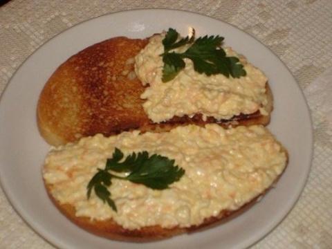 Еврейская намазка на хлеб – …