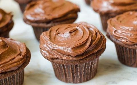 Шоколадные кексы с шоколадно…