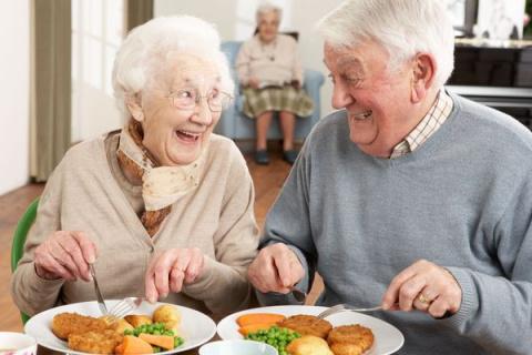 Что есть, чтобы не стареть? Рацион долголетия от ведущих диетологов