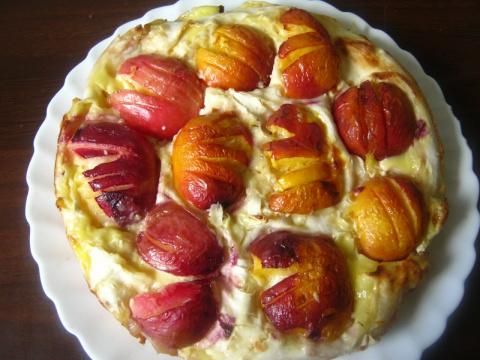 Заливной пирог из лаваша с творогом и нектаринами